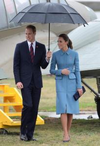 prince-william-kate-middleton-gustbuster-umbrella
